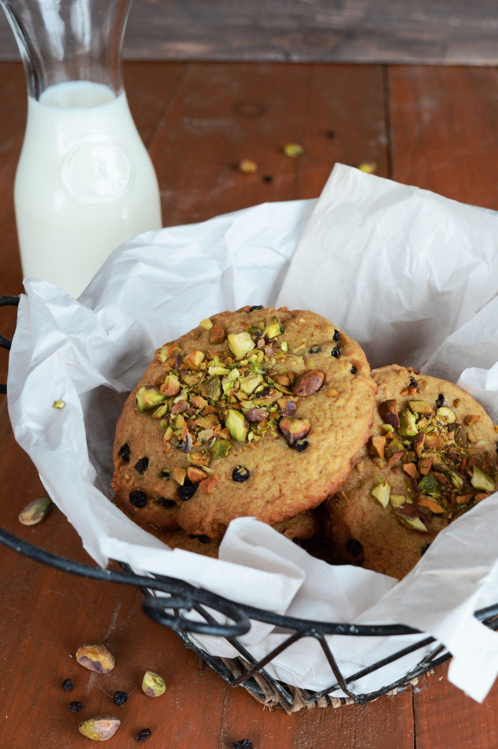 Photo Biscuits pistaches et raisins de corinthe 1 scaled